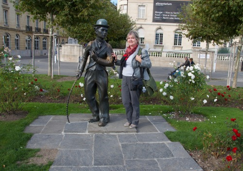 "Stopping for a selfie with Charlie Chaplin as the ""Little Tramp."" / Photo: Nancy Truman"